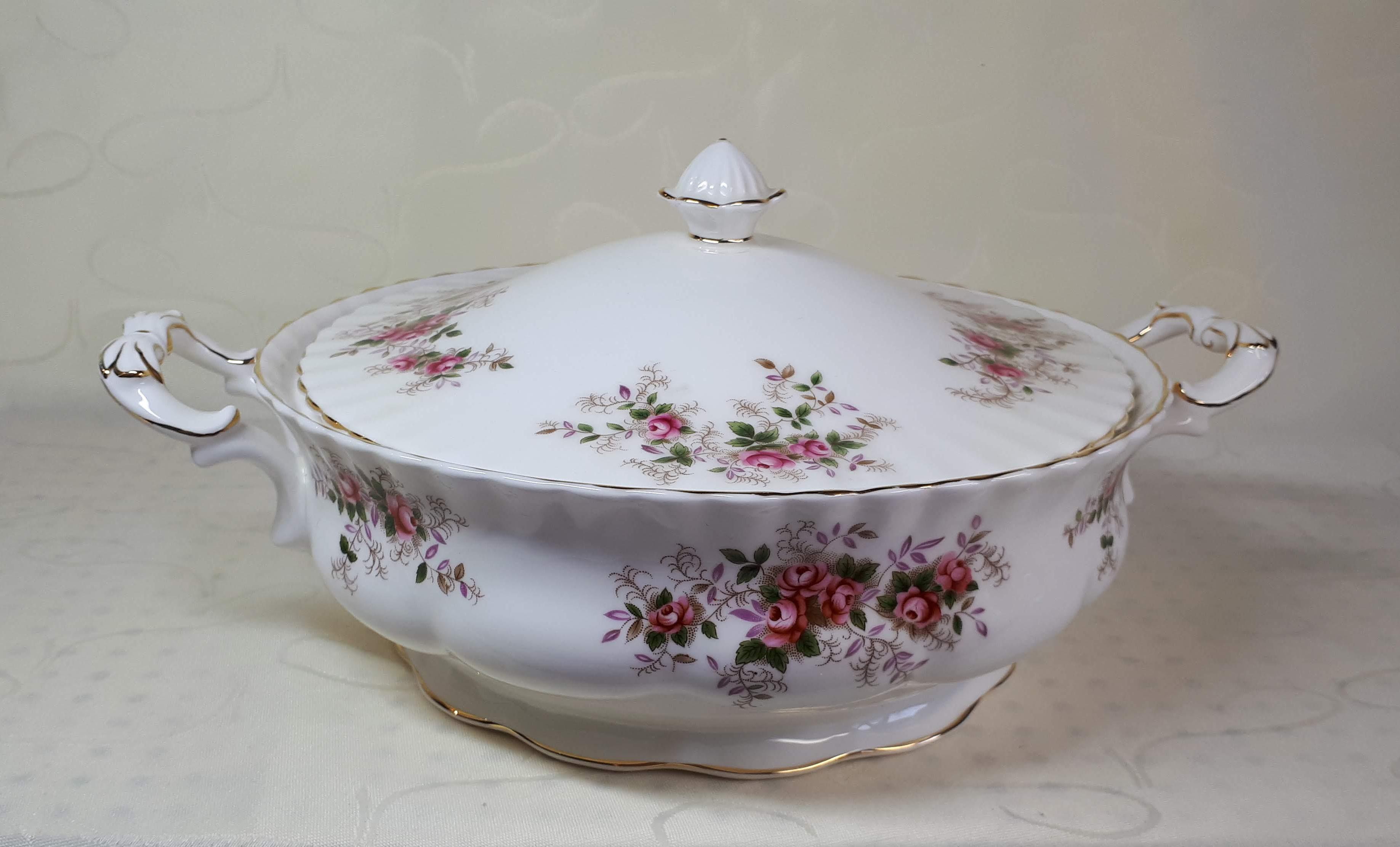 Royal Albert - Lavender Rose, Dekschaal - Rosia Tableware